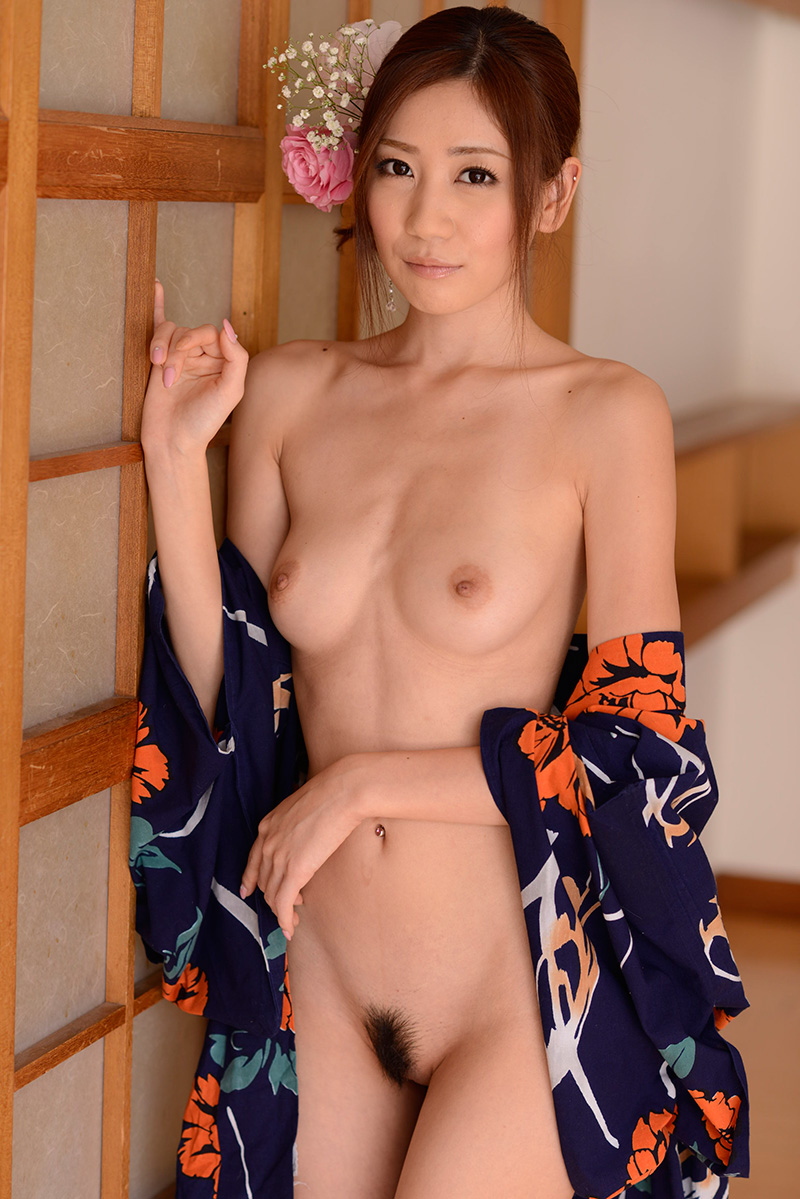 【No.25462】 Nude / 前田かおり