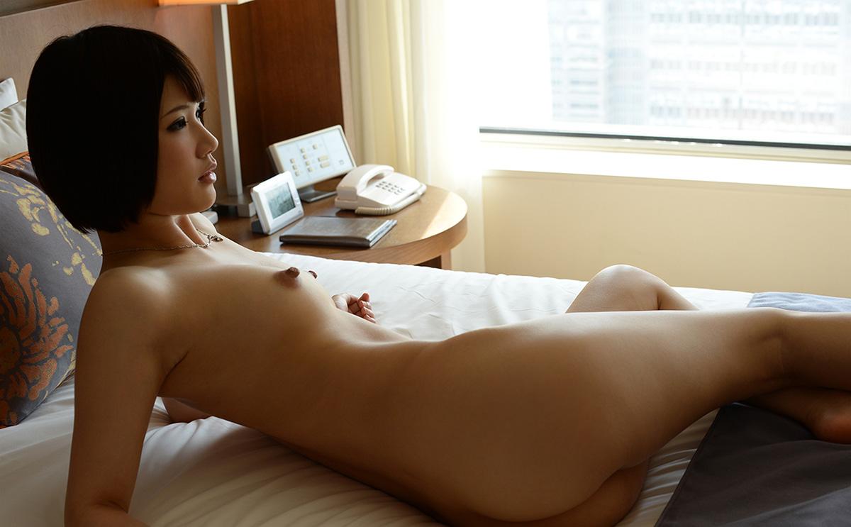 【No.25735】 Nude / 白咲碧