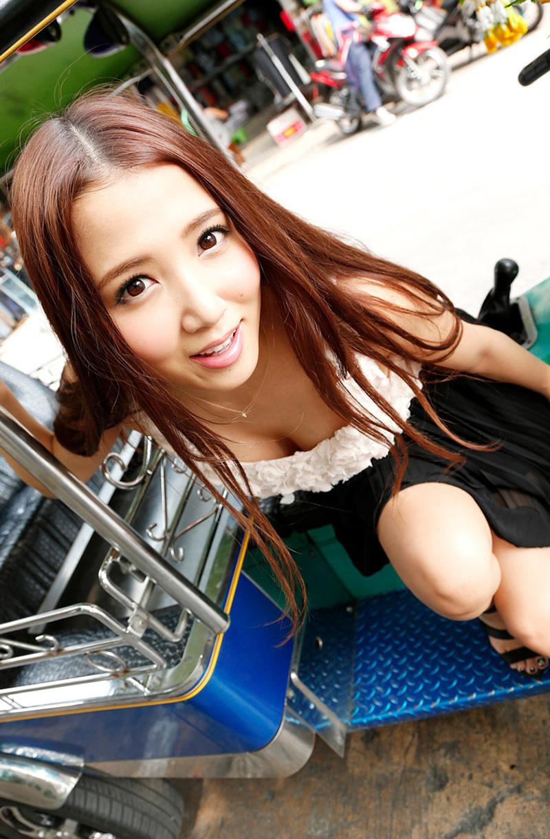 友田彩也香のグラビア写真