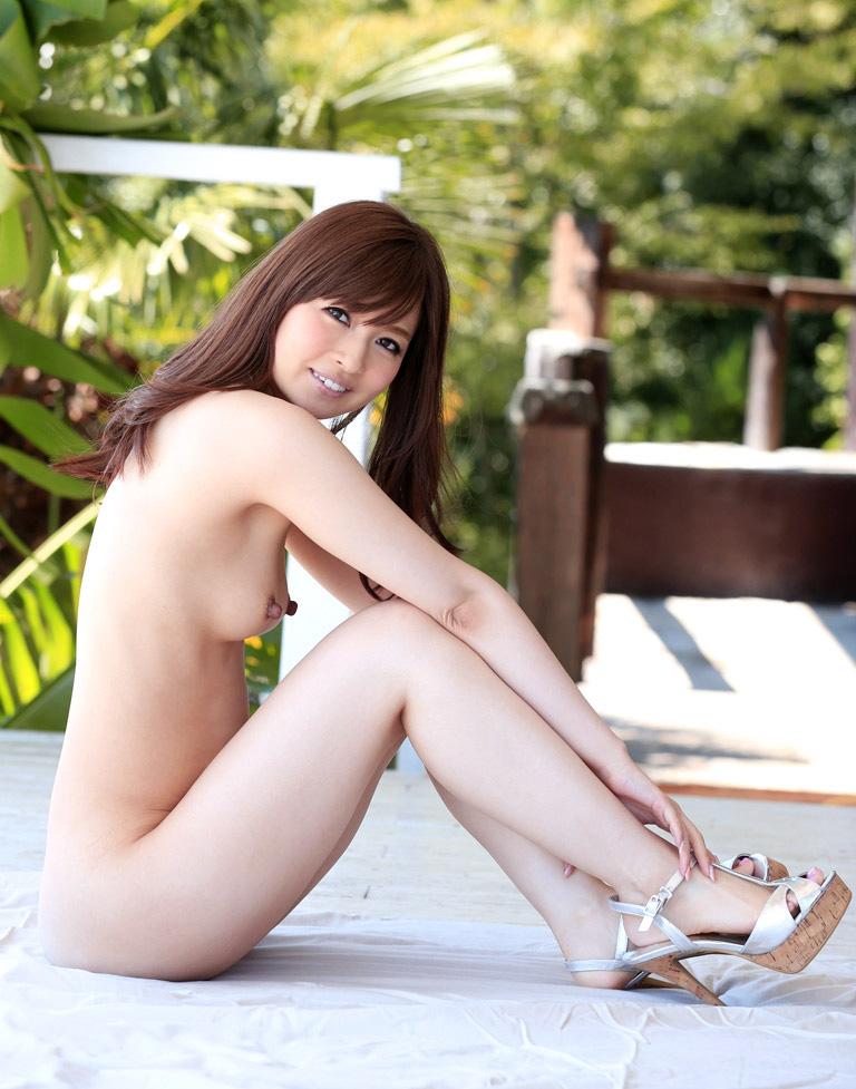 新山沙弥 | 綺麗なお姉さん。~AV女優のグラビア写真集~
