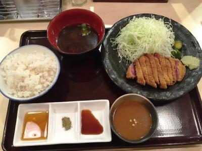 150919勝牛京都駅前店牛ロースカツ膳1382円