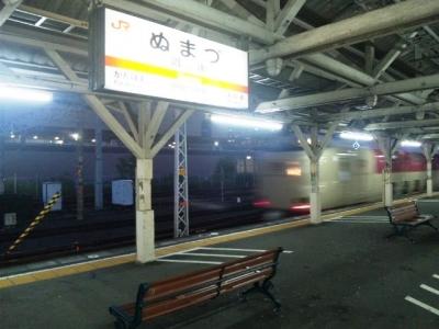 150926沼津駅5時26分着0時34分発のサンライズ出雲・瀬戸