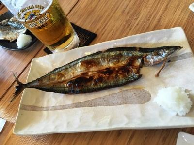 150927江ノ島がっぱ干物セット900円生ビールとサンマ