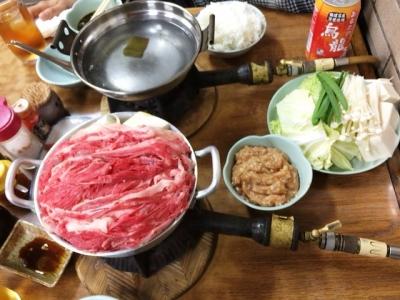 151128なべや牛肉すき焼680円と鶏みんち鍋830円