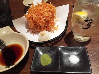 151203天ぷら食堂天八サンロード店ハッピーアワーの知多ハイボール300円と桜えびのかき揚げ600円