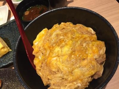 151222てつえもん名古屋うまいもん通り店鶏だし親子丼味噌汁付き850円