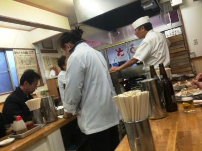 151229亀戸餃子本店ぎょうざ焼き待ち