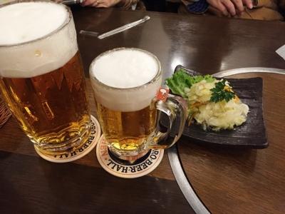 160102ニューミュンヘン本店サッポロ生ビール大920円と中ジョッキ520円