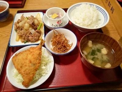 160103かっぽうぎ芝田店4品定食777円メイン肉炒め小鉢アジフライ、納豆、きんぴら