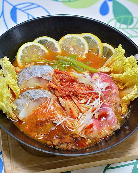 キムチ鍋メイン