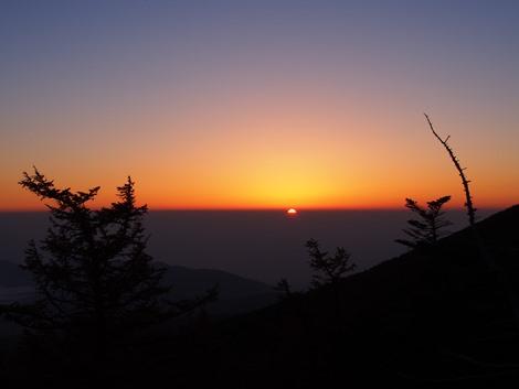 日の出近し