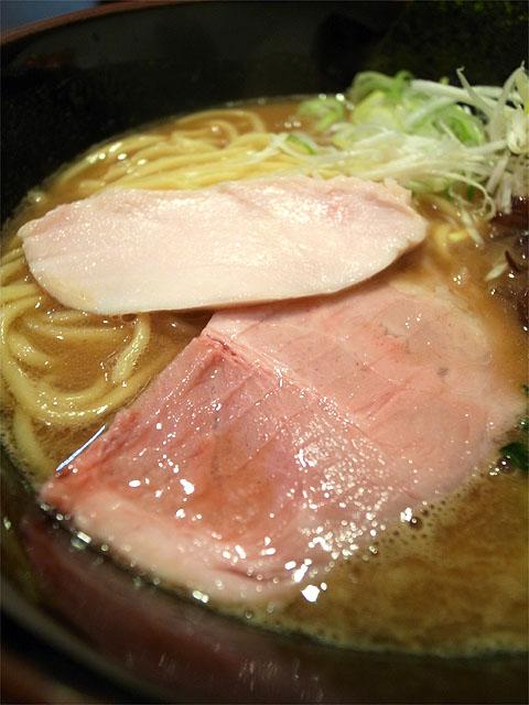 151113麺屋しめ丸-鶏煮干しラーメン・チャーシュー