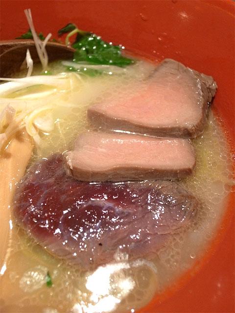150607鶏豚きっちん池袋東口店-六感堂監修 ダチョウ出汁の塩そば・肉