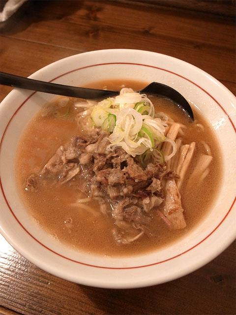 151229シマシマトム-牛骨醤油ラーメン