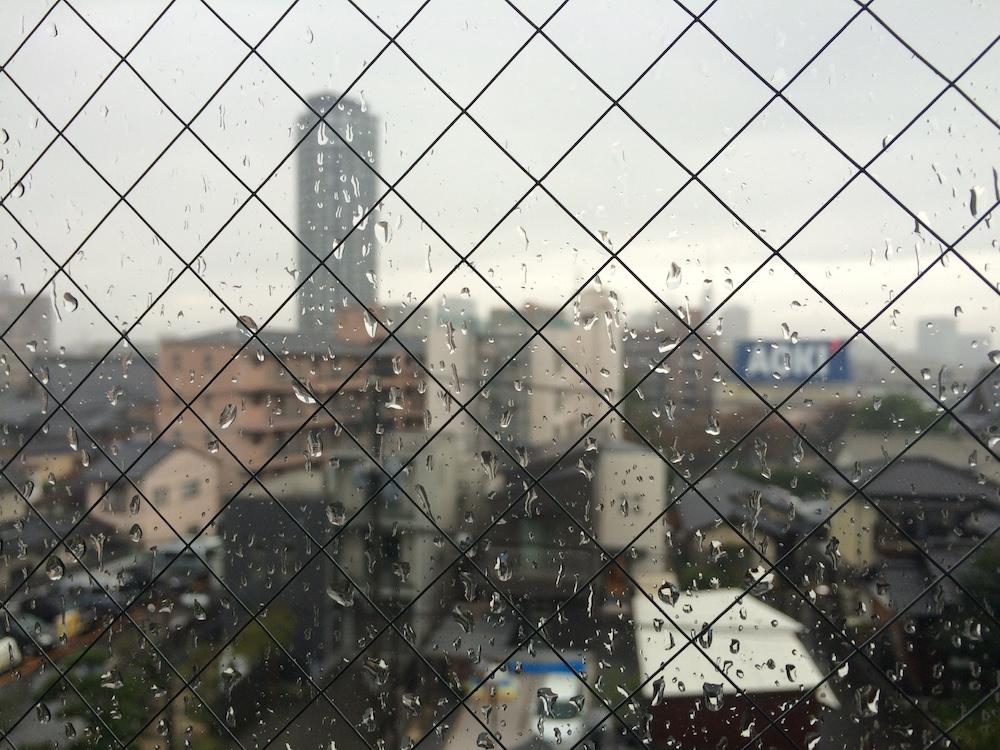 雨降りの福岡タワー