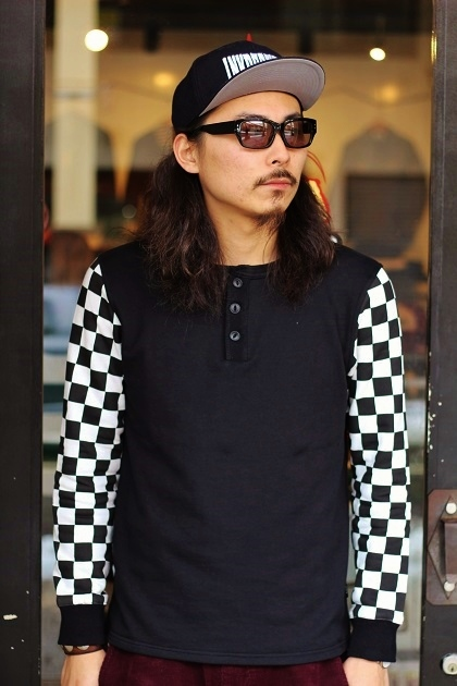 THE Checkered Henley (4)