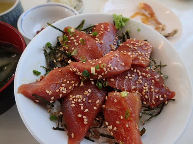 川津桜とマグロ丼 (49)