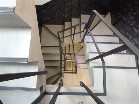 Kangaroo Hotel SIDE_B の階段