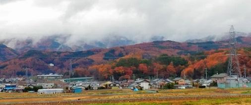 山の紅葉+