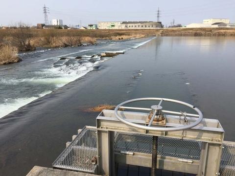 八ヶ村用水取水口と堰堤