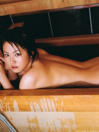 isoyama_sayaka_g107.jpg