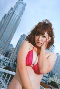 isoyama_sayaka_g109.jpg