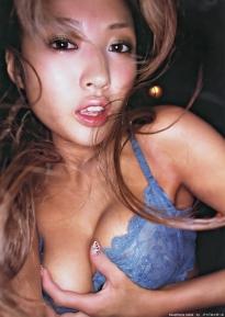 tsugihara_kana_g065.jpg