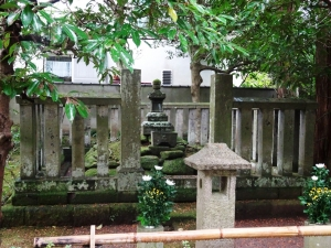 北条時頼公の墓