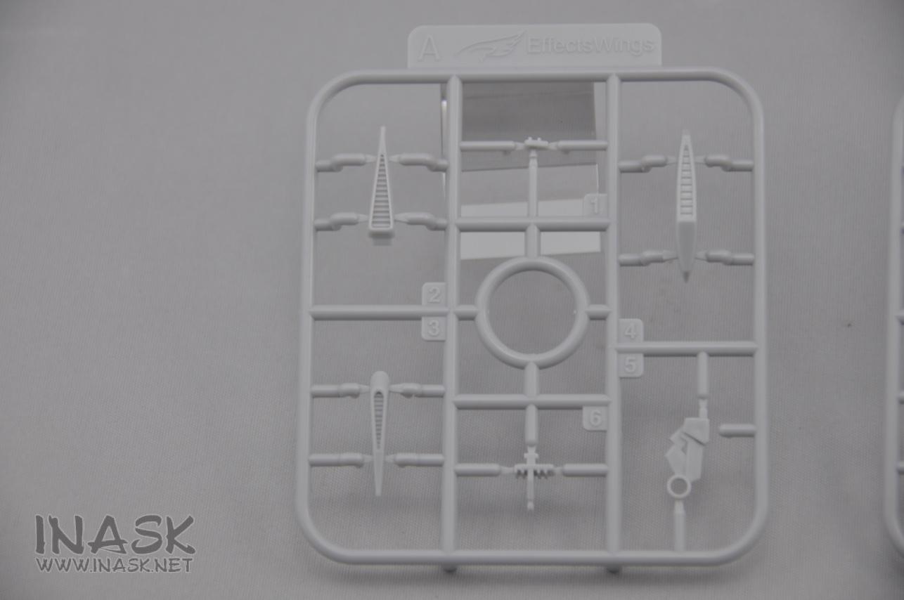 S122-astray-backpack-runner-05.jpg