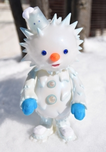 snowy-2nd-image-stand2.jpg