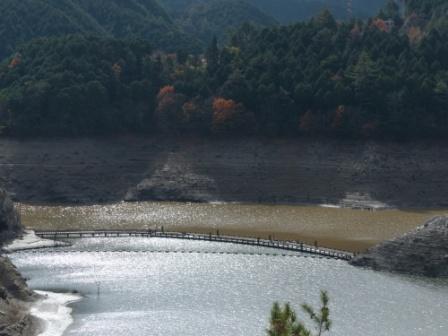別子ダムのダム湖 2