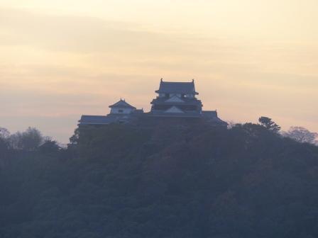 道後公園展望台から 松山城