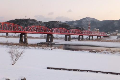 雪の四万十川1