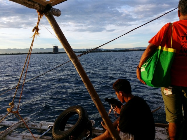 船から見たマクタン島