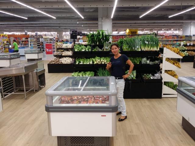 ・スーパー食料品売り場
