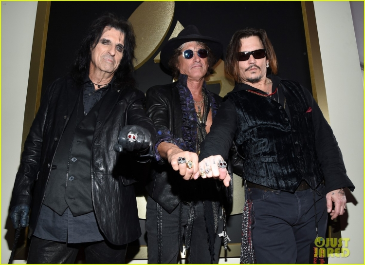 johnny-depp-hollywood-vampires-grammys-2016-02.jpg