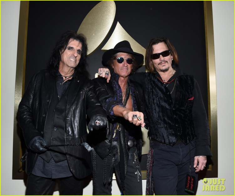 johnny-depp-hollywood-vampires-grammys-2016-05.jpg