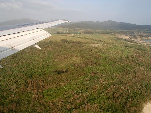 ANA便石垣空港着陸中03-20151030