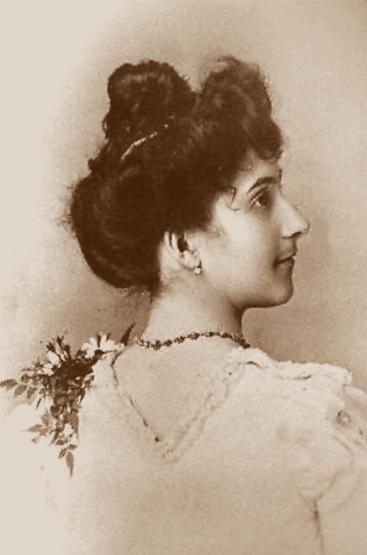 800px-Jeanne_Calment_1895.jpg