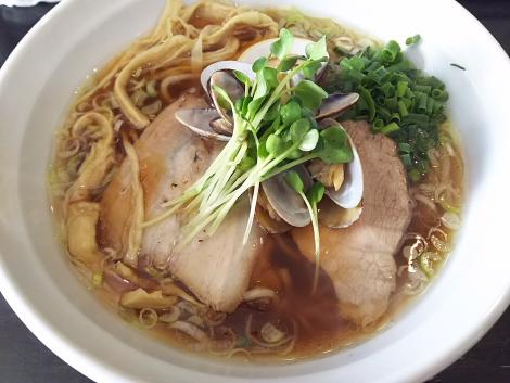 琥珀醤油麺