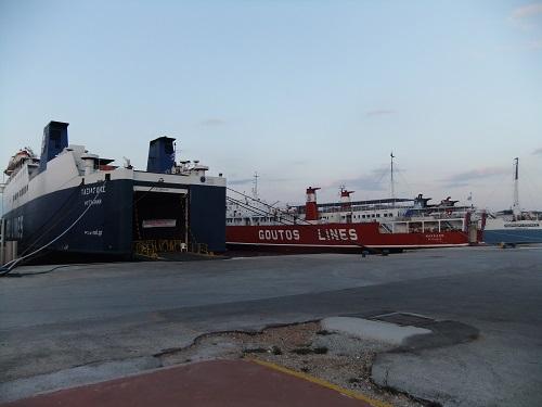 ラヴリオ港 (2)