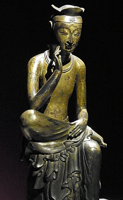 広隆寺・弥勒半跏像と瓜二つといわれる韓国国宝83号半跏思惟像