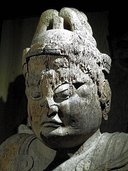 五社神社・菩薩形坐像