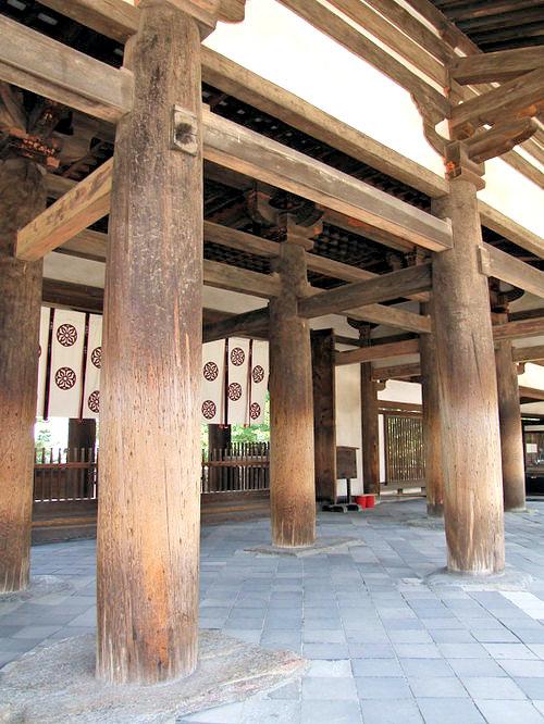 法隆寺の円柱・エンタシス