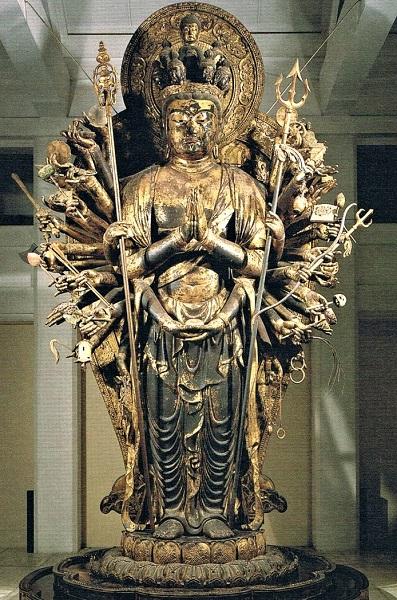 興福寺食堂・千手観音像(当初成朝担当~後に慶派により制作)