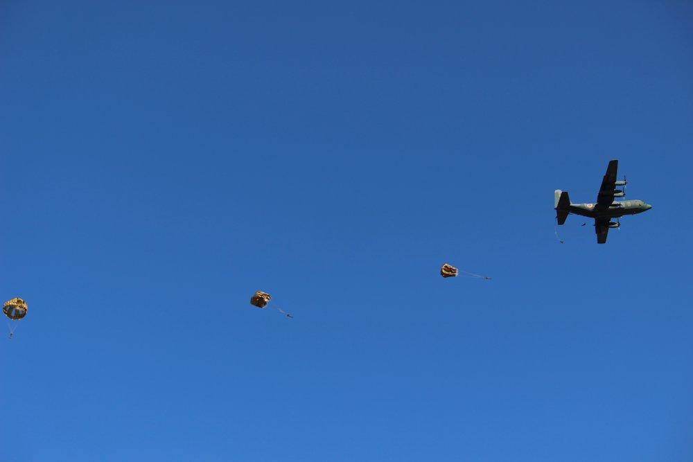 第一空挺団降下始め 037