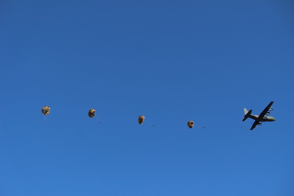 第一空挺団降下始め 048
