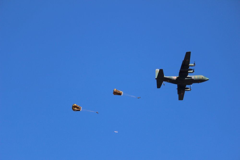 第一空挺団降下始め 061