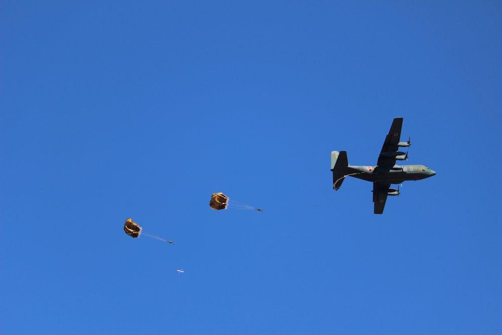 第一空挺団降下始め 062