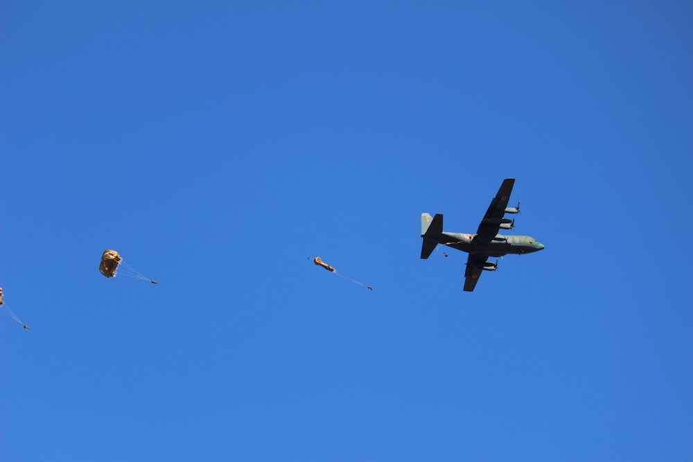 第一空挺団降下始め 064